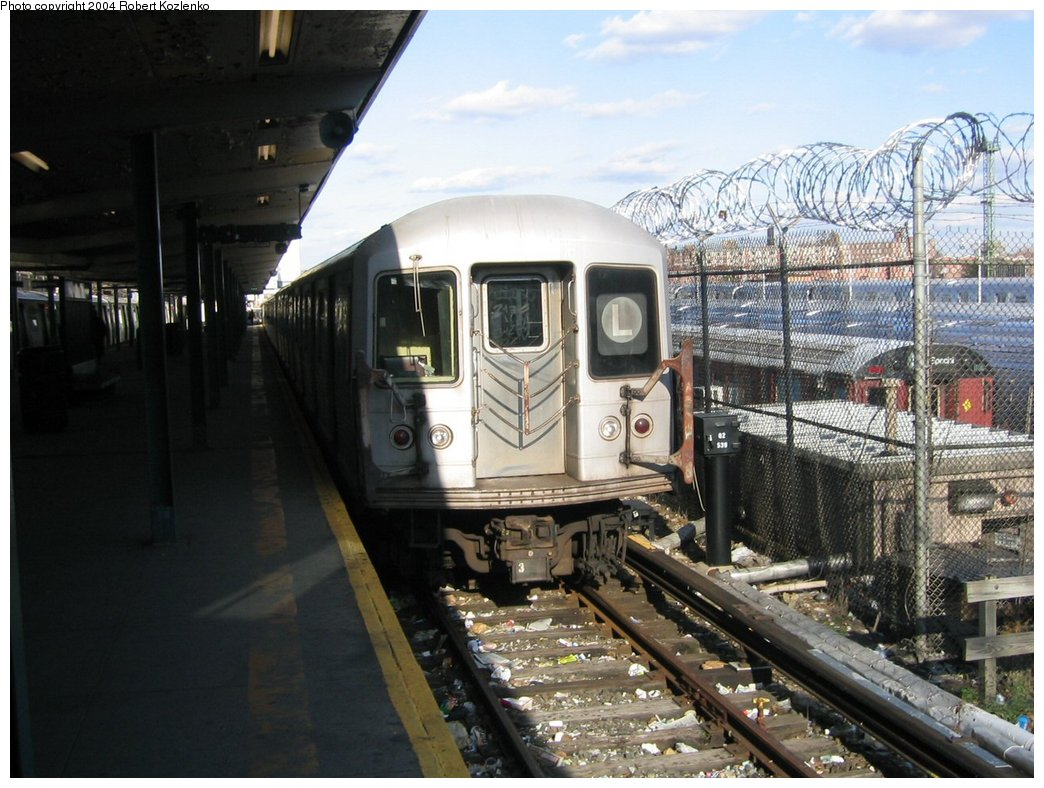 (181k, 1044x788)<br><b>Country:</b> United States<br><b>City:</b> New York<br><b>System:</b> New York City Transit<br><b>Line:</b> BMT Canarsie Line<br><b>Location:</b> Rockaway Parkway <br><b>Route:</b> L<br><b>Car:</b> R-42 (St. Louis, 1969-1970)   <br><b>Photo by:</b> Robert Kozlenko<br><b>Date:</b> 11/26/2004<br><b>Viewed (this week/total):</b> 0 / 4094