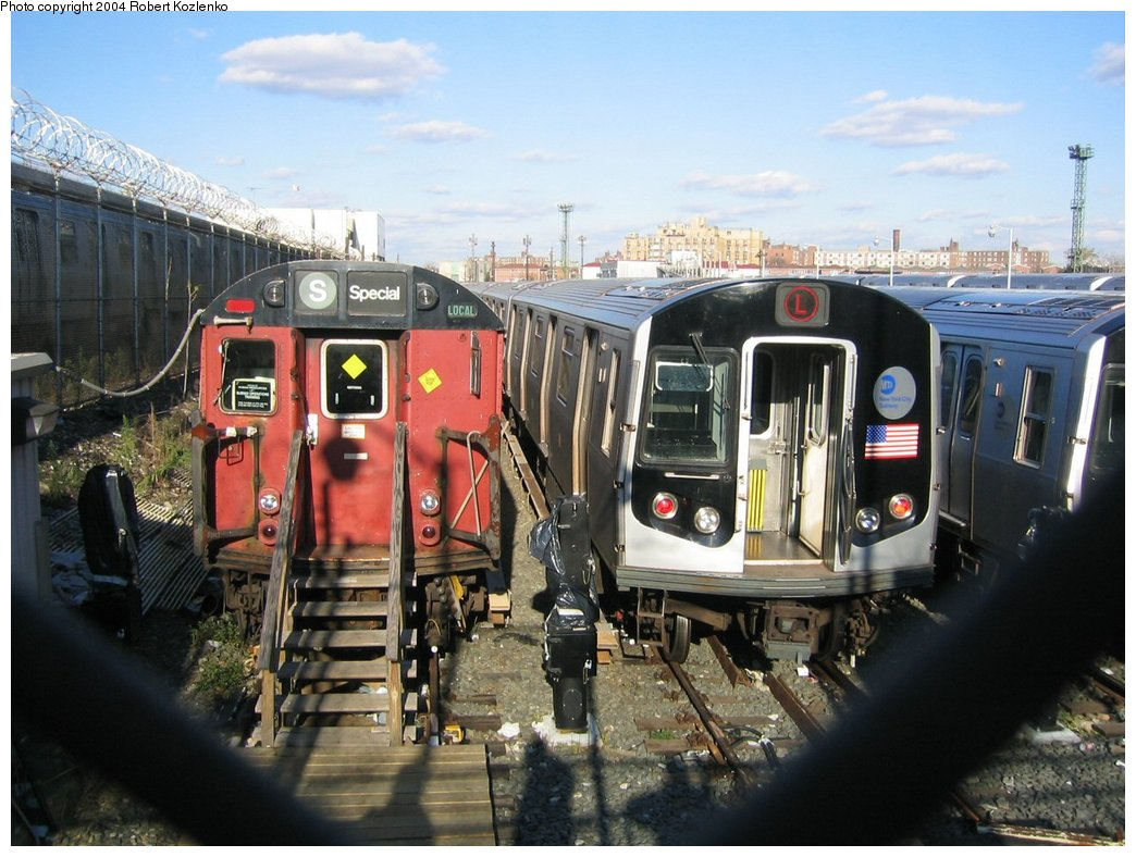 (181k, 1044x788)<br><b>Country:</b> United States<br><b>City:</b> New York<br><b>System:</b> New York City Transit<br><b>Location:</b> Rockaway Parkway (Canarsie) Yard<br><b>Car:</b> R-26 (American Car & Foundry, 1959-60) 7771 <br><b>Photo by:</b> Robert Kozlenko<br><b>Date:</b> 11/26/2004<br><b>Viewed (this week/total):</b> 0 / 5485
