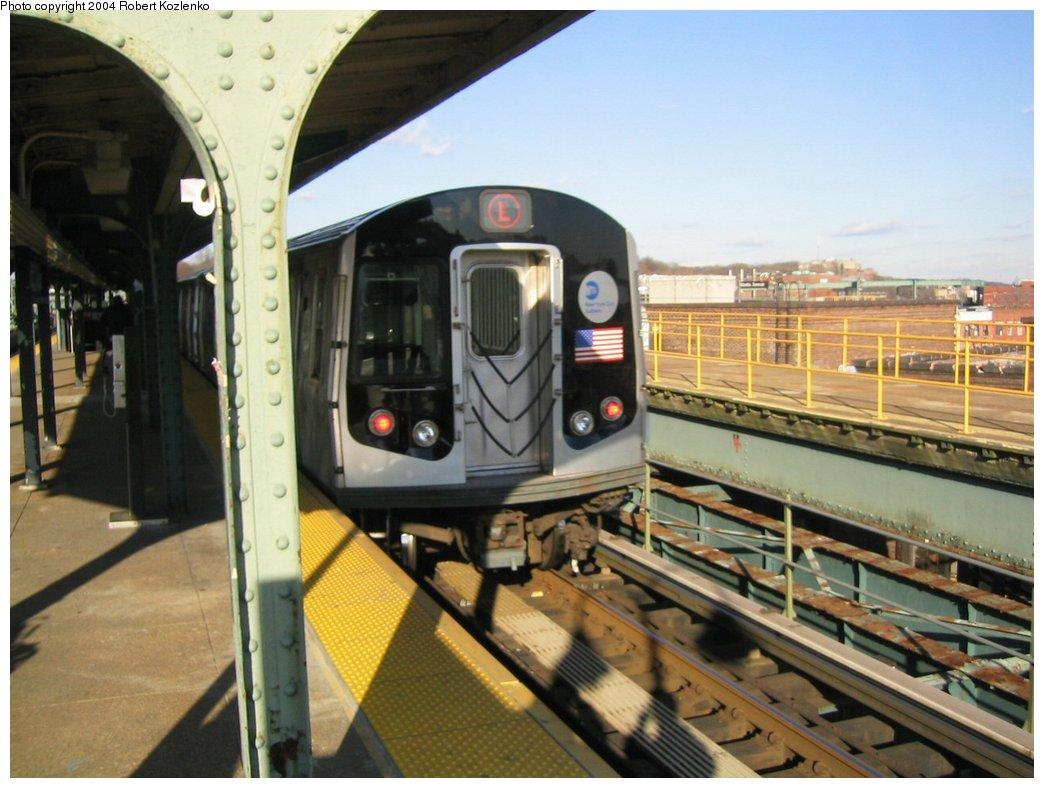 (159k, 1044x788)<br><b>Country:</b> United States<br><b>City:</b> New York<br><b>System:</b> New York City Transit<br><b>Line:</b> BMT Canarsie Line<br><b>Location:</b> Atlantic Avenue <br><b>Route:</b> L<br><b>Car:</b> R-143 (Kawasaki, 2001-2002)  <br><b>Photo by:</b> Robert Kozlenko<br><b>Date:</b> 11/26/2004<br><b>Viewed (this week/total):</b> 0 / 3417