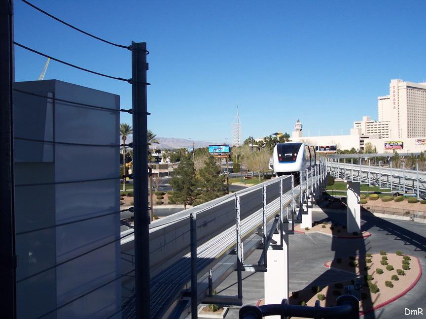 (212k, 864x648)<br><b>Country:</b> United States<br><b>City:</b> Las Vegas, NV<br><b>System:</b> Las Vegas Monorail<br><b>Location:</b> Las Vegas Hilton <br><b>Photo by:</b> D. Reinecke<br><b>Date:</b> 1/13/2005<br><b>Notes:</b> White train entering Hilton Station<br><b>Viewed (this week/total):</b> 0 / 3279