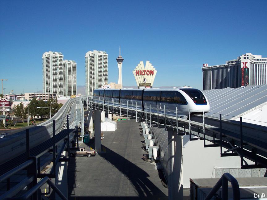 (224k, 864x648)<br><b>Country:</b> United States<br><b>City:</b> Las Vegas, NV<br><b>System:</b> Las Vegas Monorail<br><b>Location:</b> Las Vegas Convention Center <br><b>Photo by:</b> D. Reinecke<br><b>Date:</b> 1/13/2005<br><b>Notes:</b> White train heading northbound<br><b>Viewed (this week/total):</b> 1 / 3725