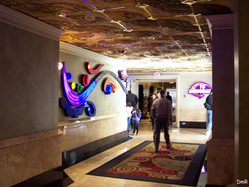 (230k, 864x648)<br><b>Country:</b> United States<br><b>City:</b> Las Vegas, NV<br><b>System:</b> Las Vegas Monorail<br><b>Location:</b> Harrah's/Imperial Palace <br><b>Photo by:</b> D. Reinecke<br><b>Date:</b> 1/13/2005<br><b>Notes:</b> Station entrance from Harrah's<br><b>Viewed (this week/total):</b> 0 / 3133