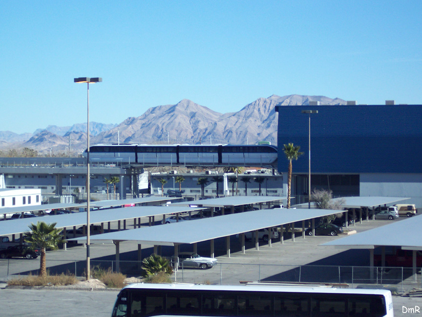 (198k, 864x648)<br><b>Country:</b> United States<br><b>City:</b> Las Vegas, NV<br><b>System:</b> Las Vegas Monorail<br><b>Location:</b> Sahara Maint. Shops <br><b>Photo by:</b> D. Reinecke<br><b>Date:</b> 1/13/2005<br><b>Notes:</b> Tracks leading into shop<br><b>Viewed (this week/total):</b> 2 / 3630