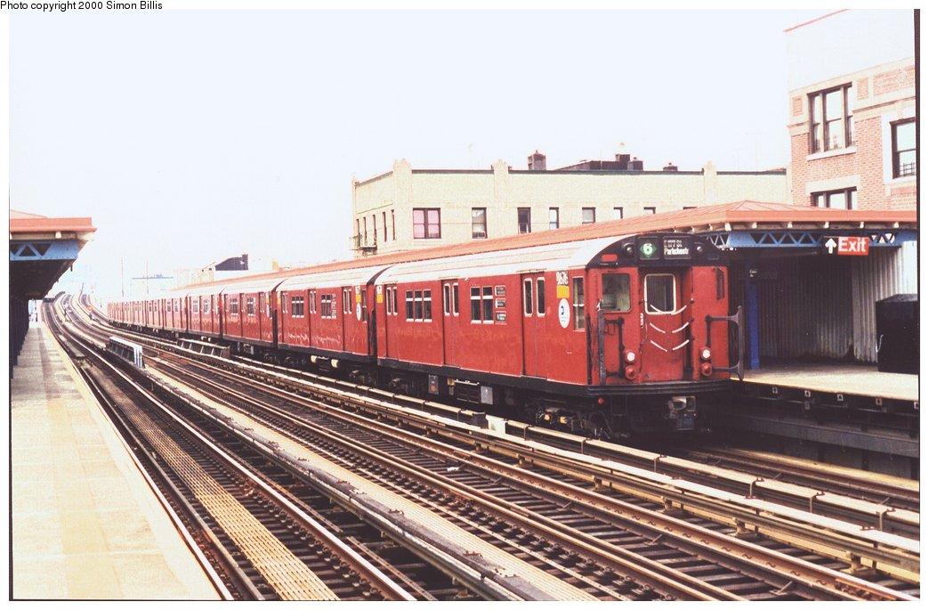 (150k, 1044x685)<br><b>Country:</b> United States<br><b>City:</b> New York<br><b>System:</b> New York City Transit<br><b>Line:</b> IRT Pelham Line<br><b>Location:</b> Elder Avenue <br><b>Route:</b> 6<br><b>Car:</b> R-29 (St. Louis, 1962) 8676 <br><b>Photo by:</b> Simon Billis<br><b>Date:</b> 11/2000<br><b>Viewed (this week/total):</b> 0 / 3731