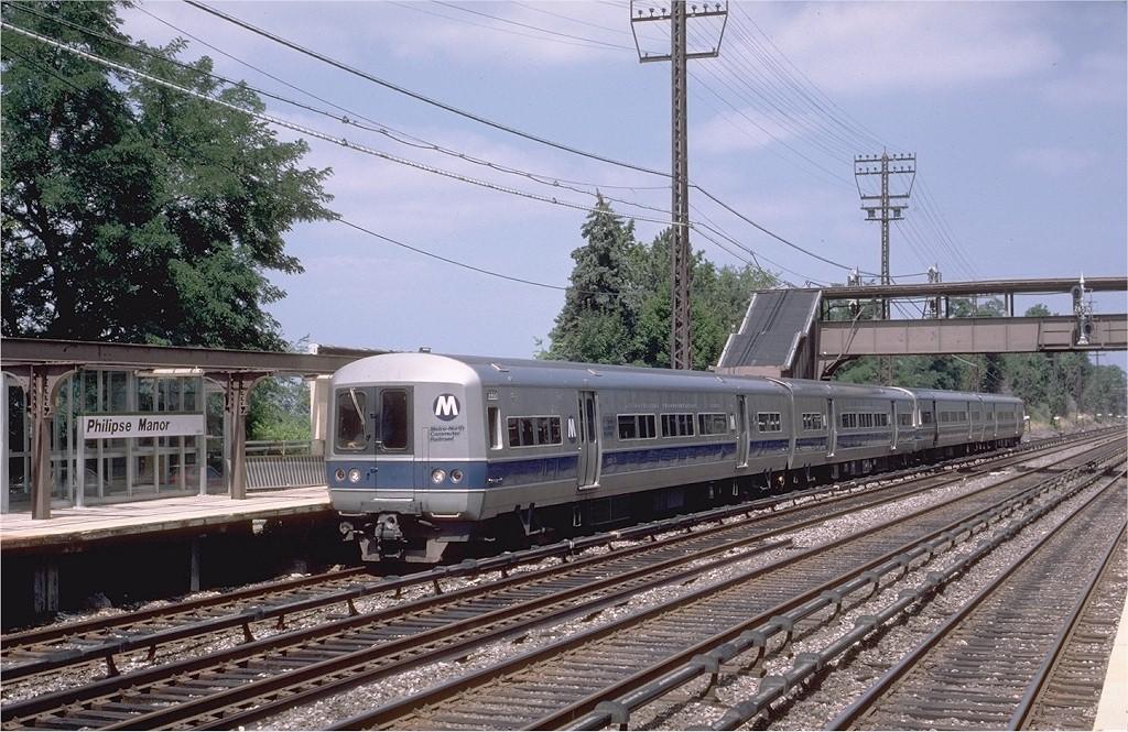 (252k, 1024x665)<br><b>Country:</b> United States<br><b>System:</b> Metro-North Railroad (or Amtrak or Predecessor RR)<br><b>Line:</b> Metro North-Hudson Line<br><b>Location:</b> Philipse Manor <br><b>Car:</b> MNRR M-1a EMU (Budd) 8335 <br><b>Photo by:</b> Eric Oszustowicz<br><b>Collection of:</b> Joe Testagrose<br><b>Date:</b> 8/15/1987<br><b>Viewed (this week/total):</b> 4 / 5484