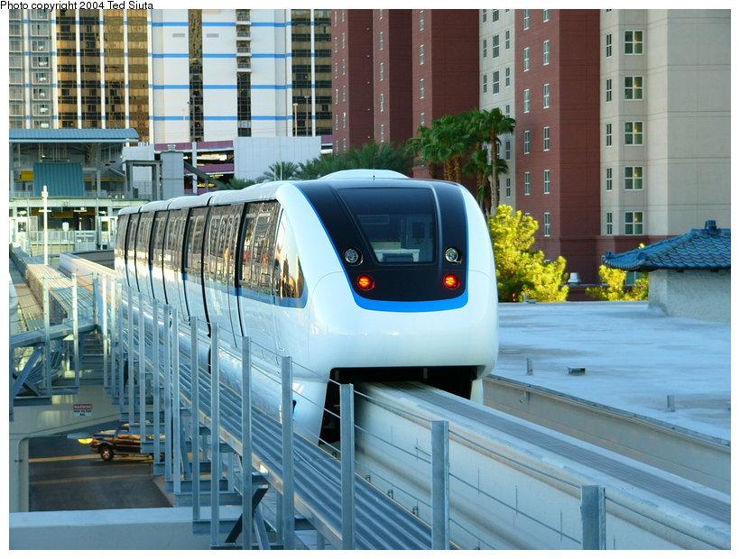 (145k, 820x620)<br><b>Country:</b> United States<br><b>City:</b> Las Vegas, NV<br><b>System:</b> Las Vegas Monorail<br><b>Location:</b> Harrah's/Imperial Palace <br><b>Photo by:</b> Ted Siuta<br><b>Date:</b> 8/27/2004<br><b>Notes:</b> Southbound monorail departing Harrah's.<br><b>Viewed (this week/total):</b> 2 / 3119