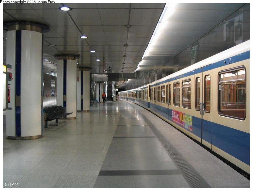 (84k, 820x619)<br><b>Country:</b> Germany<br><b>City:</b> Munich<br><b>System:</b> München Verkehrsgesellschaft (MVG) <br><b>Line:</b> Munich U-Bahn U2<br><b>Location:</b> Feldmoching <br><b>Photo by:</b> Jonas Frey<br><b>Date:</b> 1/4/2005<br><b>Viewed (this week/total):</b> 0 / 1173