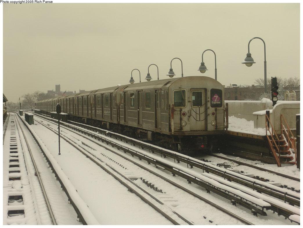 (148k, 1044x788)<br><b>Country:</b> United States<br><b>City:</b> New York<br><b>System:</b> New York City Transit<br><b>Line:</b> IRT Flushing Line<br><b>Location:</b> 46th Street/Bliss Street <br><b>Route:</b> 7<br><b>Car:</b> R-62A (Bombardier, 1984-1987)  1700 <br><b>Photo by:</b> Richard Panse<br><b>Date:</b> 3/1/2005<br><b>Viewed (this week/total):</b> 0 / 2866
