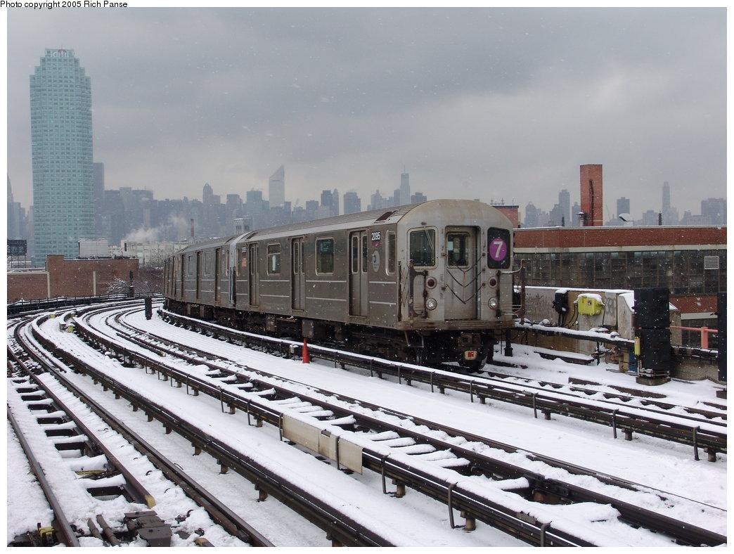 (194k, 1044x788)<br><b>Country:</b> United States<br><b>City:</b> New York<br><b>System:</b> New York City Transit<br><b>Line:</b> IRT Flushing Line<br><b>Location:</b> 33rd Street/Rawson Street <br><b>Route:</b> 7<br><b>Car:</b> R-62A (Bombardier, 1984-1987)  2095 <br><b>Photo by:</b> Richard Panse<br><b>Date:</b> 3/1/2005<br><b>Viewed (this week/total):</b> 1 / 2828