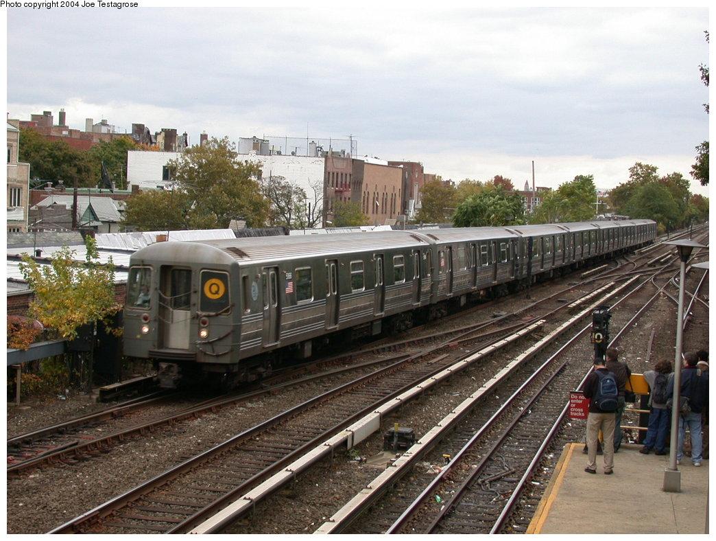 (238k, 1044x788)<br><b>Country:</b> United States<br><b>City:</b> New York<br><b>System:</b> New York City Transit<br><b>Line:</b> BMT Brighton Line<br><b>Location:</b> Kings Highway <br><b>Route:</b> Q<br><b>Car:</b> R-68A (Kawasaki, 1988-1989)  5166 <br><b>Photo by:</b> Joe Testagrose<br><b>Date:</b> 10/23/2004<br><b>Viewed (this week/total):</b> 2 / 3895