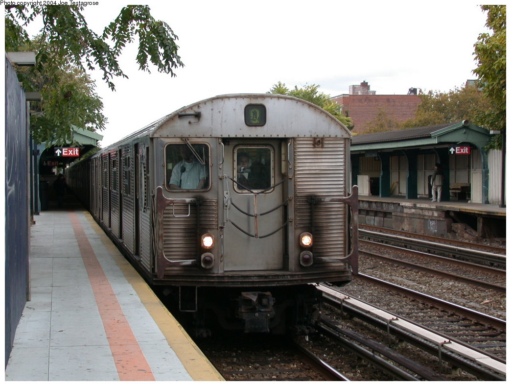 (214k, 1044x788)<br><b>Country:</b> United States<br><b>City:</b> New York<br><b>System:</b> New York City Transit<br><b>Line:</b> BMT Brighton Line<br><b>Location:</b> Avenue U <br><b>Route:</b> Q<br><b>Car:</b> R-32 (Budd, 1964)  3420 <br><b>Photo by:</b> Joe Testagrose<br><b>Date:</b> 10/23/2004<br><b>Viewed (this week/total):</b> 6 / 4850
