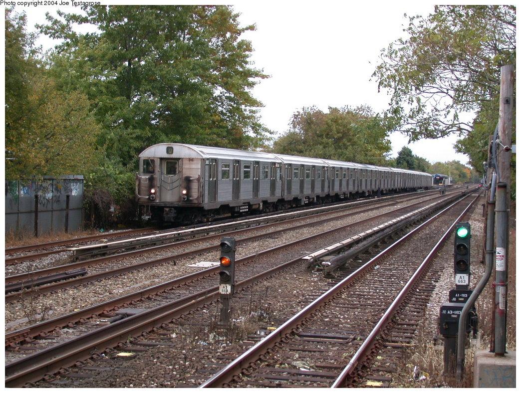 (314k, 1044x788)<br><b>Country:</b> United States<br><b>City:</b> New York<br><b>System:</b> New York City Transit<br><b>Line:</b> BMT Brighton Line<br><b>Location:</b> Avenue U <br><b>Route:</b> Q<br><b>Car:</b> R-32 (Budd, 1964)  3863 <br><b>Photo by:</b> Joe Testagrose<br><b>Date:</b> 10/23/2004<br><b>Viewed (this week/total):</b> 2 / 4712