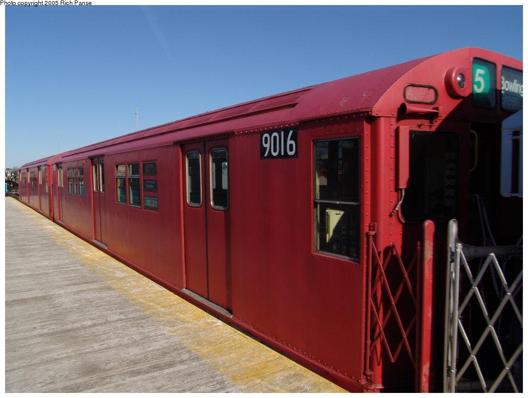 (143k, 1044x788)<br><b>Country:</b> United States<br><b>City:</b> New York<br><b>System:</b> New York City Transit<br><b>Line:</b> IRT White Plains Road Line<br><b>Location:</b> 238th Street (Nereid Avenue) <br><b>Route:</b> Fan Trip<br><b>Car:</b> R-33 Main Line (St. Louis, 1962-63) 9016 <br><b>Photo by:</b> Richard Panse<br><b>Date:</b> 2/27/2005<br><b>Viewed (this week/total):</b> 12 / 5674
