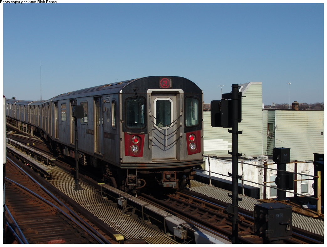 (170k, 1044x788)<br><b>Country:</b> United States<br><b>City:</b> New York<br><b>System:</b> New York City Transit<br><b>Line:</b> IRT White Plains Road Line<br><b>Location:</b> 238th Street (Nereid Avenue) <br><b>Route:</b> 2<br><b>Car:</b> R-142 (Primary Order, Bombardier, 1999-2002)  6601 <br><b>Photo by:</b> Richard Panse<br><b>Date:</b> 2/27/2005<br><b>Viewed (this week/total):</b> 1 / 3658