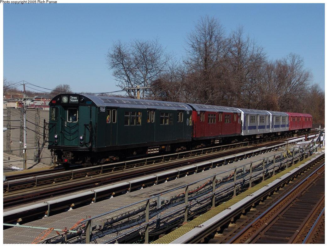 (245k, 1044x788)<br><b>Country:</b> United States<br><b>City:</b> New York<br><b>System:</b> New York City Transit<br><b>Line:</b> IRT Dyre Ave. Line<br><b>Location:</b> Baychester Avenue <br><b>Route:</b> Fan Trip<br><b>Car:</b> R-33 Main Line (St. Louis, 1962-63) 9068 <br><b>Photo by:</b> Richard Panse<br><b>Date:</b> 2/27/2005<br><b>Notes:</b> With 9069-9010-9011-9016-9017<br><b>Viewed (this week/total):</b> 0 / 3277