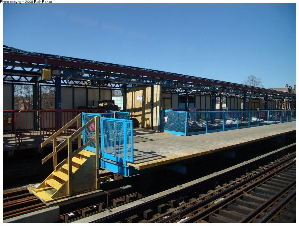 (203k, 1044x788)<br><b>Country:</b> United States<br><b>City:</b> New York<br><b>System:</b> New York City Transit<br><b>Line:</b> IRT White Plains Road Line<br><b>Location:</b> 219th Street <br><b>Photo by:</b> Richard Panse<br><b>Date:</b> 2/27/2005<br><b>Viewed (this week/total):</b> 5 / 3445
