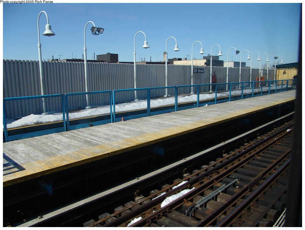 (187k, 1044x788)<br><b>Country:</b> United States<br><b>City:</b> New York<br><b>System:</b> New York City Transit<br><b>Line:</b> IRT White Plains Road Line<br><b>Location:</b> 225th Street <br><b>Photo by:</b> Richard Panse<br><b>Date:</b> 2/27/2005<br><b>Viewed (this week/total):</b> 0 / 3138