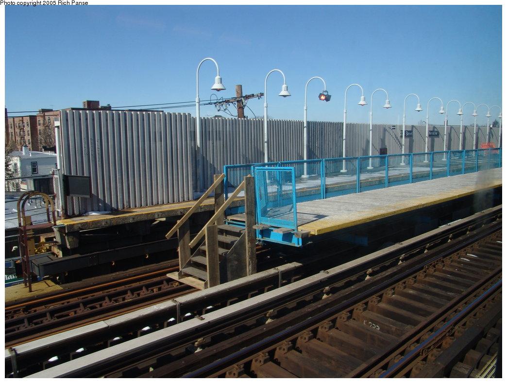 (188k, 1044x788)<br><b>Country:</b> United States<br><b>City:</b> New York<br><b>System:</b> New York City Transit<br><b>Line:</b> IRT White Plains Road Line<br><b>Location:</b> 238th Street (Nereid Avenue) <br><b>Photo by:</b> Richard Panse<br><b>Date:</b> 2/27/2005<br><b>Viewed (this week/total):</b> 2 / 3103