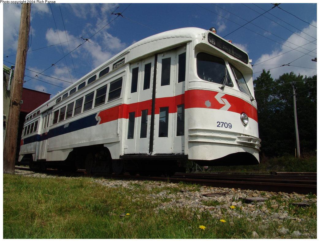 (217k, 1044x788)<br><b>Country:</b> United States<br><b>City:</b> Kennebunk, ME<br><b>System:</b> Seashore Trolley Museum <br><b>Car:</b> PTC/SEPTA Postwar All-electric PCC (St.Louis, 1947)  2709 <br><b>Photo by:</b> Richard Panse<br><b>Date:</b> 9/4/2004<br><b>Viewed (this week/total):</b> 0 / 1909