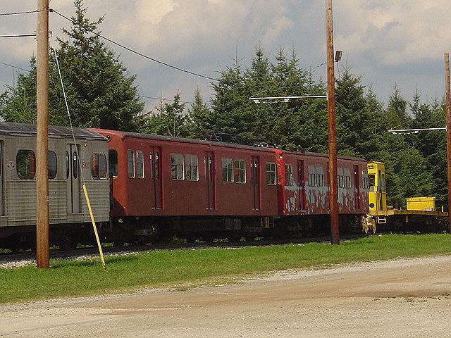 (141k, 640x480)<br><b>Country:</b> Canada<br><b>City:</b> Toronto<br><b>System:</b> Halton County Radial Railway <br><b>Car:</b>  5038-5039 <br><b>Photo by:</b> Michael Tricarico<br><b>Date:</b> 8/16/2004<br><b>Viewed (this week/total):</b> 1 / 3096