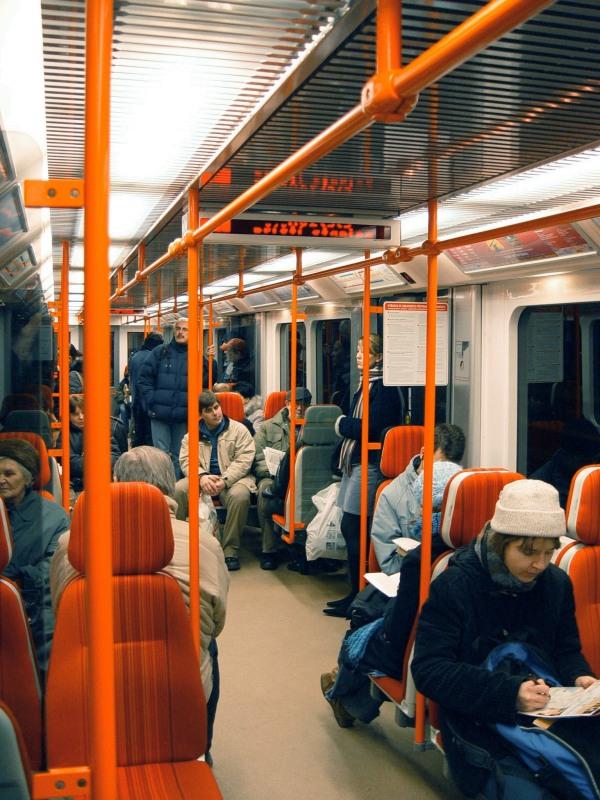 (158k, 600x800)<br><b>Country:</b> Czech Republic<br><b>City:</b> Prague<br><b>System:</b> Dopravni podnik Prahy <br><b>Line:</b> Prague Metro-C<br><b>Photo by:</b> Filip Matuska<br><b>Date:</b> 2/2005<br><b>Notes:</b> Interior of M1 stock train.<br><b>Viewed (this week/total):</b> 0 / 1486