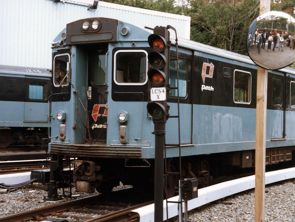 (413k, 1024x768)<br><b>Country:</b> United States<br><b>City:</b> Jersey City, NJ<br><b>System:</b> PATH<br><b>Location:</b> East of Journal Square <br><b>Car:</b> H&M/PATH K-class  <br><b>Photo by:</b> David Boone<br><b>Collection of:</b> David Pirmann<br><b>Date:</b> 5/25/1987<br><b>Viewed (this week/total):</b> 0 / 4342