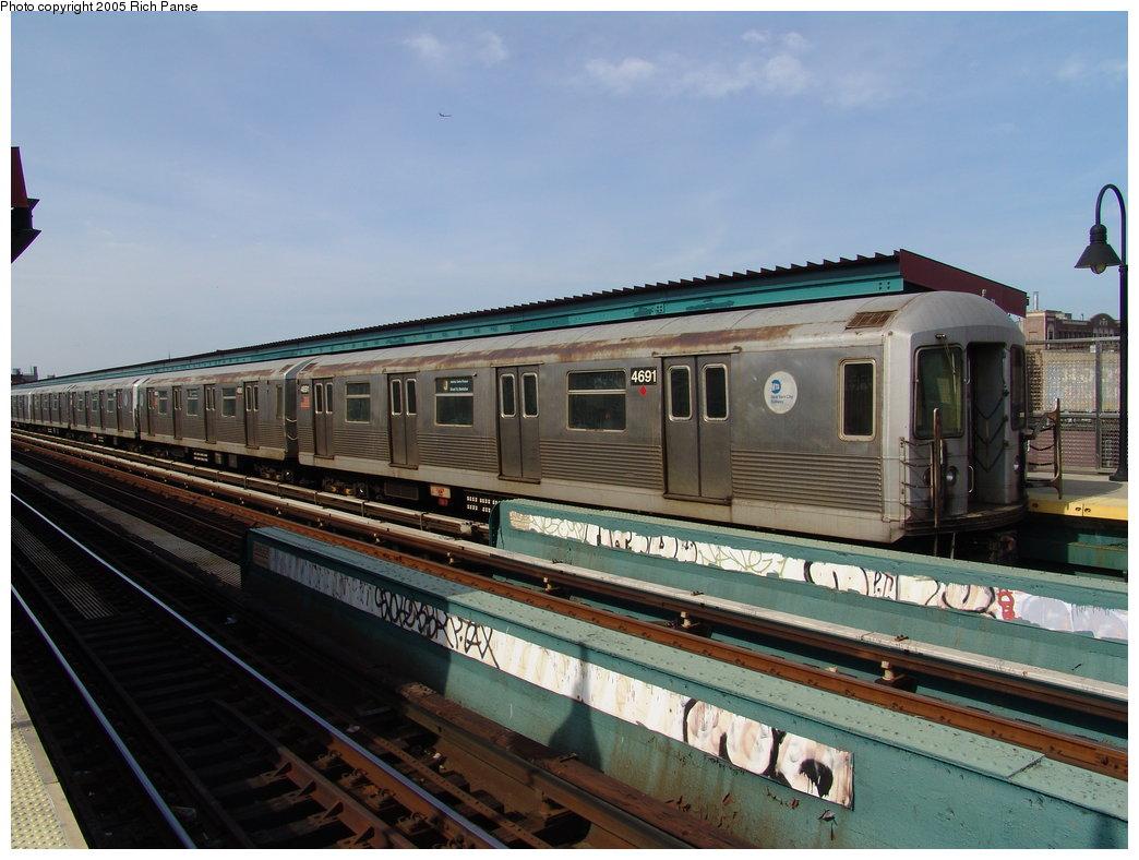 (175k, 1044x788)<br><b>Country:</b> United States<br><b>City:</b> New York<br><b>System:</b> New York City Transit<br><b>Line:</b> BMT Nassau Street/Jamaica Line<br><b>Location:</b> Gates Avenue <br><b>Route:</b> J<br><b>Car:</b> R-42 (St. Louis, 1969-1970)  4691 <br><b>Photo by:</b> Richard Panse<br><b>Date:</b> 3/16/2005<br><b>Viewed (this week/total):</b> 1 / 3446