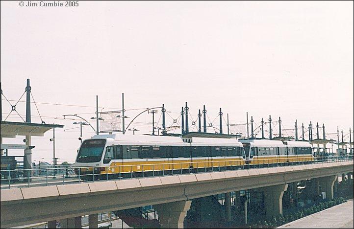 (65k, 722x468)<br><b>Country:</b> United States<br><b>City:</b> Dallas, TX<br><b>System:</b> DART<br><b>Line:</b> DART (Dallas) Red Line/Downtown Trunk<br><b>Location:</b> Park Lane <br><b>Photo by:</b> Jim Cumbie<br><b>Date:</b> 12/5/2002<br><b>Notes:</b> Southbound Red Line Train at new Park Lane Station.<br><b>Viewed (this week/total):</b> 0 / 2281