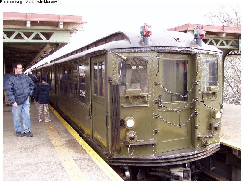 (147k, 820x620)<br><b>Country:</b> United States<br><b>City:</b> New York<br><b>System:</b> New York City Transit<br><b>Line:</b> IRT Woodlawn Line<br><b>Location:</b> Burnside Avenue <br><b>Route:</b> Fan Trip<br><b>Car:</b> Low-V (Museum Train) 5292 <br><b>Photo by:</b> Irwin Markowitz<br><b>Date:</b> 3/20/2005<br><b>Viewed (this week/total):</b> 1 / 3425