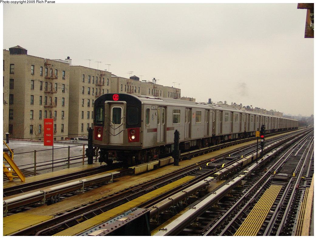 (220k, 1044x788)<br><b>Country:</b> United States<br><b>City:</b> New York<br><b>System:</b> New York City Transit<br><b>Line:</b> IRT White Plains Road Line<br><b>Location:</b> Pelham Parkway <br><b>Route:</b> 2<br><b>Car:</b> R-142 (Primary Order, Bombardier, 1999-2002)  6676 <br><b>Photo by:</b> Richard Panse<br><b>Date:</b> 3/20/2005<br><b>Viewed (this week/total):</b> 1 / 4728