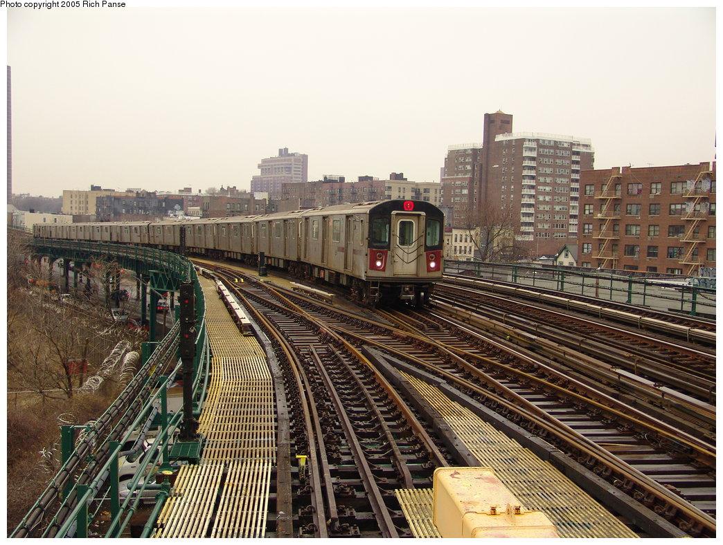 (250k, 1044x788)<br><b>Country:</b> United States<br><b>City:</b> New York<br><b>System:</b> New York City Transit<br><b>Line:</b> IRT Woodlawn Line<br><b>Location:</b> Bedford Park Boulevard <br><b>Route:</b> 4<br><b>Car:</b> R-142 (Option Order, Bombardier, 2002-2003)  7125 <br><b>Photo by:</b> Richard Panse<br><b>Date:</b> 3/20/2005<br><b>Viewed (this week/total):</b> 0 / 3672