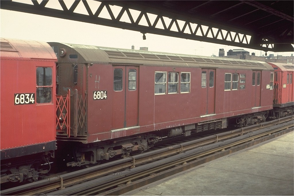 (185k, 1024x682)<br><b>Country:</b> United States<br><b>City:</b> New York<br><b>System:</b> New York City Transit<br><b>Line:</b> IRT Pelham Line<br><b>Location:</b> Zerega Avenue <br><b>Route:</b> 6<br><b>Car:</b> R-17 (St. Louis, 1955-56) 6804 <br><b>Photo by:</b> Joe Testagrose<br><b>Date:</b> 3/22/1970<br><b>Viewed (this week/total):</b> 0 / 2138