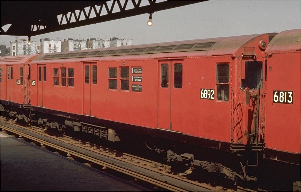(177k, 1024x652)<br><b>Country:</b> United States<br><b>City:</b> New York<br><b>System:</b> New York City Transit<br><b>Line:</b> IRT Pelham Line<br><b>Location:</b> Morrison/Soundview Aves. <br><b>Route:</b> 6<br><b>Car:</b> R-17 (St. Louis, 1955-56) 6892 <br><b>Photo by:</b> Joe Testagrose<br><b>Date:</b> 4/26/1970<br><b>Viewed (this week/total):</b> 0 / 2443