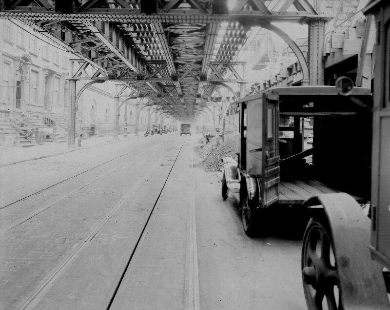 (89k, 800x635)<br><b>Country:</b> United States<br><b>City:</b> New York<br><b>System:</b> New York City Transit<br><b>Line:</b> 6th Avenue El<br><b>Location:</b> 8th Avenue/53rd Street <br><b>Photo by:</b> Roy Nagl<br><b>Date:</b> 1928<br><b>Viewed (this week/total):</b> 5 / 8394