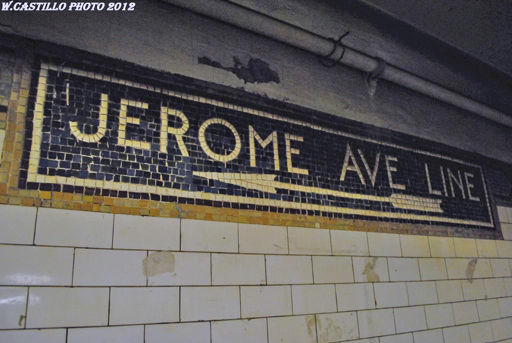 (273k, 1024x687)<br><b>Country:</b> United States<br><b>City:</b> New York<br><b>System:</b> New York City Transit<br><b>Line:</b> IRT White Plains Road Line<br><b>Location:</b> 149th Street/Grand Concourse (Mott Avenue) <br><b>Photo by:</b> Wilfredo Castillo<br><b>Date:</b> 3/31/2012<br><b>Notes:</b> Transfer between 2,5 and 4.<br><b>Viewed (this week/total):</b> 1 / 1097