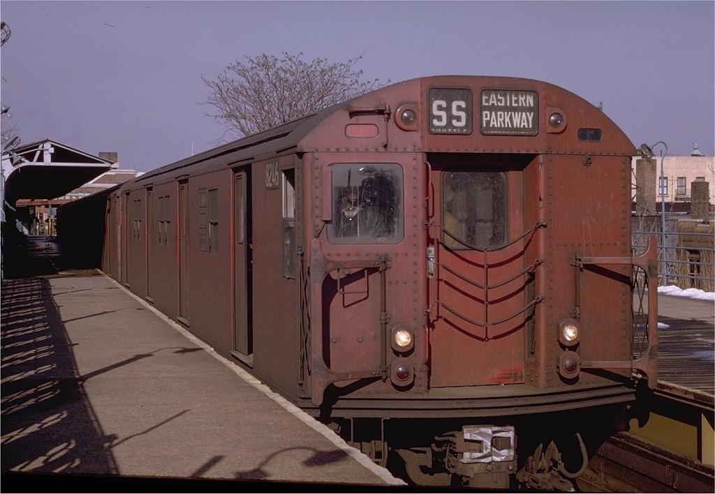 (184k, 1024x707)<br><b>Country:</b> United States<br><b>City:</b> New York<br><b>System:</b> New York City Transit<br><b>Line:</b> BMT Franklin<br><b>Location:</b> Franklin Avenue <br><b>Route:</b> Franklin Shuttle<br><b>Car:</b> R-27 (St. Louis, 1960)  8246 <br><b>Photo by:</b> Joe Testagrose<br><b>Date:</b> 2/7/1970<br><b>Viewed (this week/total):</b> 0 / 2752