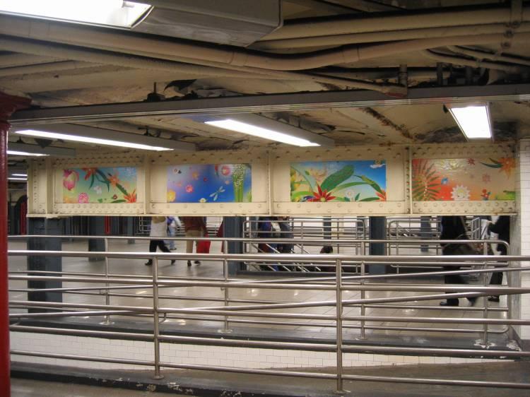 (64k, 750x562)<br><b>Country:</b> United States<br><b>City:</b> New York<br><b>System:</b> New York City Transit<br><b>Line:</b> IRT East Side Line<br><b>Location:</b> 14th Street/Union Square <br><b>Photo by:</b> Robbie Rosenfeld<br><b>Date:</b> 5/17/2005<br><b>Artwork:</b> <i>Paradise</i>, Chiho Aoshima (2005).<br><b>Viewed (this week/total):</b> 2 / 2732