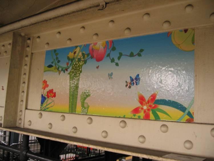 (40k, 750x562)<br><b>Country:</b> United States<br><b>City:</b> New York<br><b>System:</b> New York City Transit<br><b>Line:</b> IRT East Side Line<br><b>Location:</b> 14th Street/Union Square <br><b>Photo by:</b> Robbie Rosenfeld<br><b>Date:</b> 5/17/2005<br><b>Artwork:</b> <i>Paradise</i>, Chiho Aoshima (2005).<br><b>Viewed (this week/total):</b> 4 / 2534