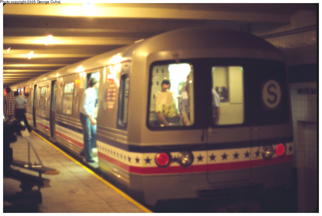 (141k, 1044x701)<br><b>Country:</b> United States<br><b>City:</b> New York<br><b>System:</b> New York City Transit<br><b>Location:</b> New York Transit Museum<br><b>Car:</b> R-46 (Pullman-Standard, 1974-75) 680/681 <br><b>Photo by:</b> George Cuhaj<br><b>Date:</b> 7/2/1976<br><b>Notes:</b> Cars temporarily numbered 1776/1976 for Bicentennial.<br><b>Viewed (this week/total):</b> 7 / 5444