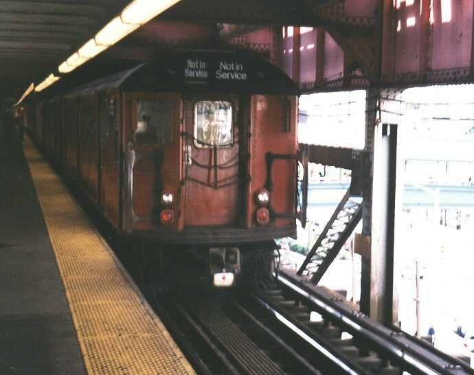 (33k, 690x546)<br><b>Country:</b> United States<br><b>City:</b> New York<br><b>System:</b> New York City Transit<br><b>Line:</b> IRT Flushing Line<br><b>Location:</b> Queensborough Plaza <br><b>Route:</b> Work Service<br><b>Car:</b> R-33 World's Fair (St. Louis, 1963-64) 9335 <br><b>Photo by:</b> Gary Chatterton<br><b>Date:</b> 9/2003<br><b>Viewed (this week/total):</b> 0 / 3344
