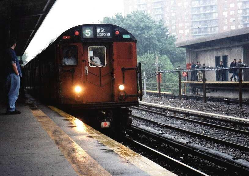 (57k, 815x576)<br><b>Country:</b> United States<br><b>City:</b> New York<br><b>System:</b> New York City Transit<br><b>Line:</b> IRT Dyre Ave. Line<br><b>Location:</b> Baychester Avenue <br><b>Route:</b> Fan Trip<br><b>Car:</b> R-33 World's Fair (St. Louis, 1963-64) 9329 <br><b>Photo by:</b> Gary Chatterton<br><b>Date:</b> 6/7/2003<br><b>Viewed (this week/total):</b> 3 / 3950