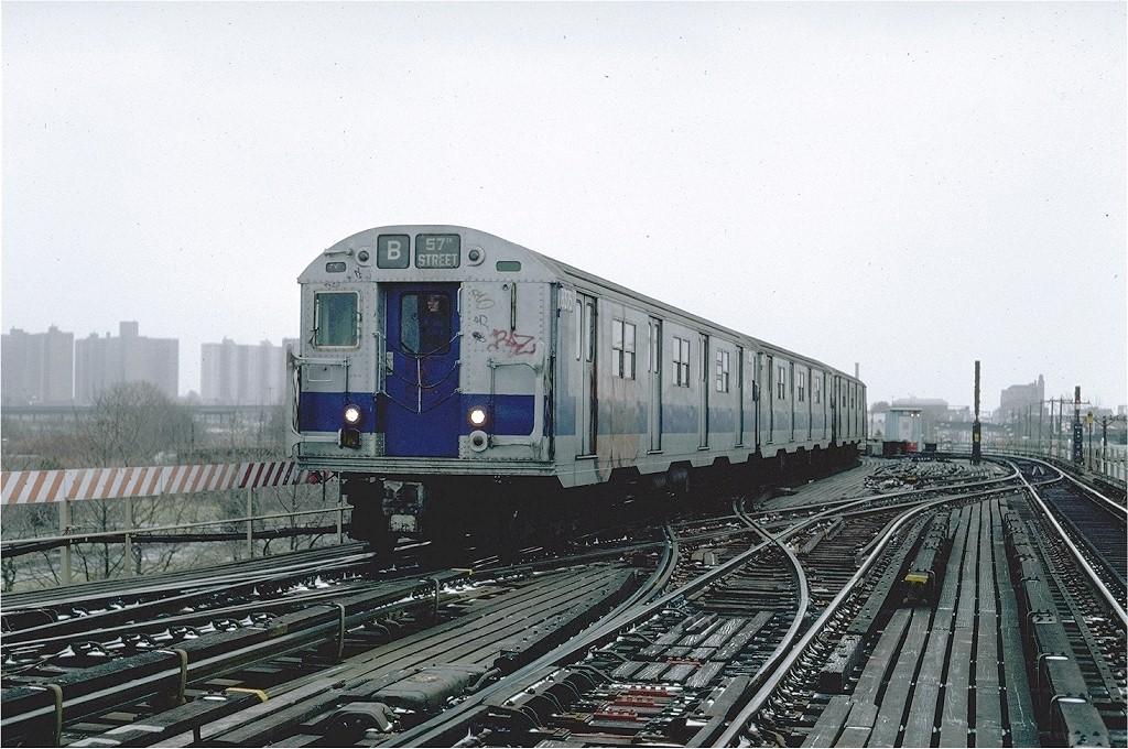 (230k, 1024x680)<br><b>Country:</b> United States<br><b>City:</b> New York<br><b>System:</b> New York City Transit<br><b>Line:</b> BMT West End Line<br><b>Location:</b> Bay 50th Street <br><b>Route:</b> B<br><b>Car:</b> R-30 (St. Louis, 1961) 8375 <br><b>Photo by:</b> Steve Zabel<br><b>Collection of:</b> Joe Testagrose<br><b>Date:</b> 12/9/1981<br><b>Viewed (this week/total):</b> 0 / 4603