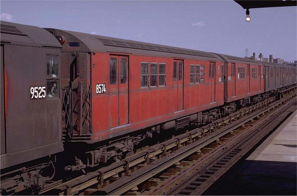 (189k, 1024x677)<br><b>Country:</b> United States<br><b>City:</b> New York<br><b>System:</b> New York City Transit<br><b>Line:</b> IRT Pelham Line<br><b>Location:</b> Morrison/Soundview Aves. <br><b>Route:</b> 6<br><b>Car:</b> R-29 (St. Louis, 1962) 8574 <br><b>Photo by:</b> Joe Testagrose<br><b>Date:</b> 10/18/1969<br><b>Viewed (this week/total):</b> 1 / 2209