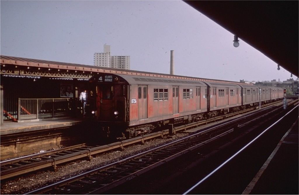 (155k, 1024x668)<br><b>Country:</b> United States<br><b>City:</b> New York<br><b>System:</b> New York City Transit<br><b>Line:</b> IRT Woodlawn Line<br><b>Location:</b> Bedford Park Boulevard <br><b>Route:</b> 4<br><b>Car:</b> R-29 (St. Louis, 1962) 8736 <br><b>Collection of:</b> Joe Testagrose<br><b>Viewed (this week/total):</b> 0 / 3187