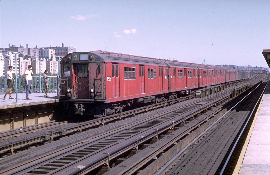 (215k, 1024x665)<br><b>Country:</b> United States<br><b>City:</b> New York<br><b>System:</b> New York City Transit<br><b>Line:</b> IRT Woodlawn Line<br><b>Location:</b> 161st Street/River Avenue (Yankee Stadium) <br><b>Route:</b> 4<br><b>Car:</b> R-33 Main Line (St. Louis, 1962-63) 8905 <br><b>Photo by:</b> Joe Testagrose<br><b>Date:</b> 8/22/1969<br><b>Viewed (this week/total):</b> 0 / 2519