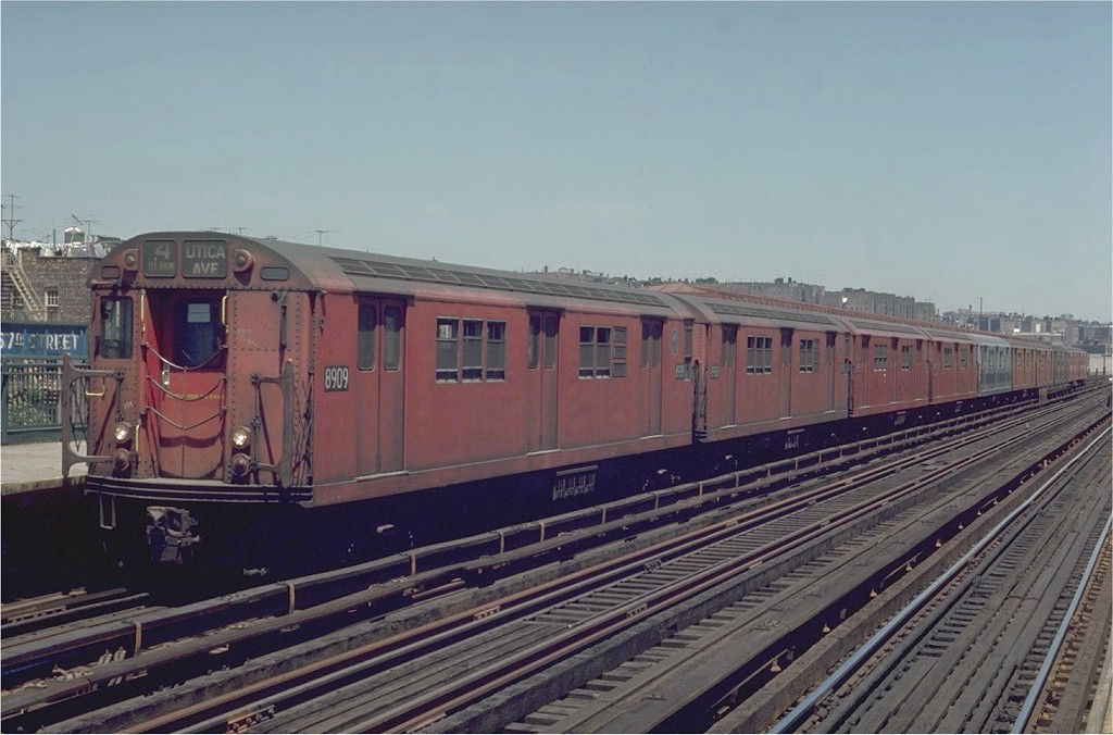 (168k, 1024x676)<br><b>Country:</b> United States<br><b>City:</b> New York<br><b>System:</b> New York City Transit<br><b>Line:</b> IRT Woodlawn Line<br><b>Location:</b> 167th Street <br><b>Route:</b> 4<br><b>Car:</b> R-33 Main Line (St. Louis, 1962-63) 8909 <br><b>Photo by:</b> Joe Testagrose<br><b>Date:</b> 5/30/1970<br><b>Viewed (this week/total):</b> 0 / 3061