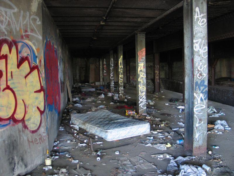 (96k, 800x600)<br><b>Country:</b> United States<br><b>City:</b> New York<br><b>System:</b> New York City Transit<br><b>Line:</b> 9th Avenue El<br><b>Location:</b> Sedgwick Avenue <br><b>Photo by:</b> Brian Weinberg<br><b>Date:</b> 8/4/2004<br><b>Viewed (this week/total):</b> 2 / 3474