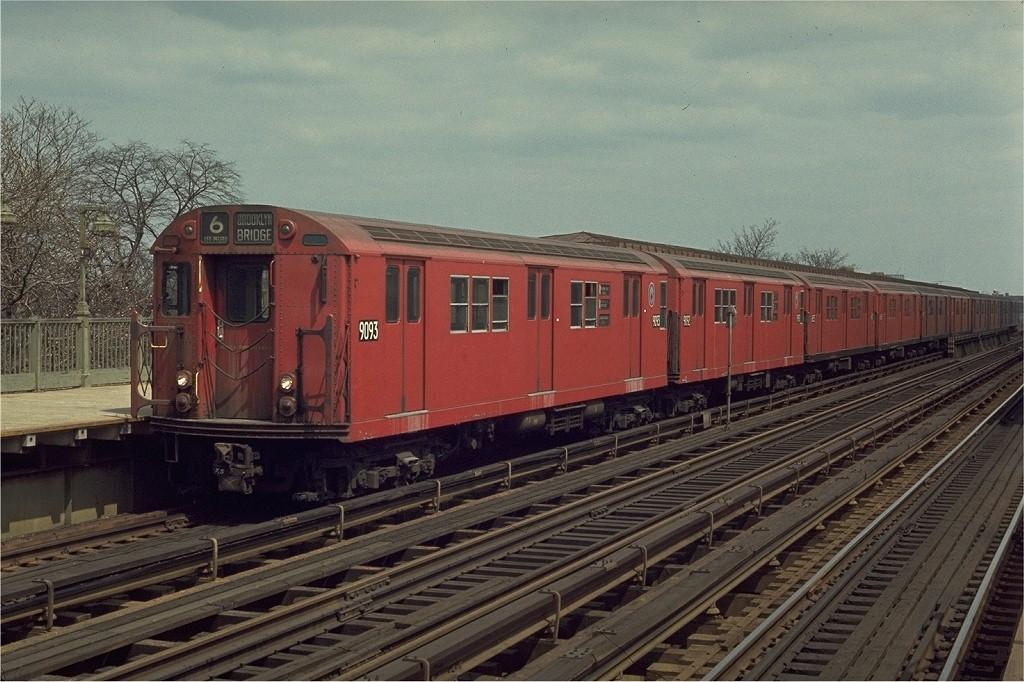 (212k, 1024x682)<br><b>Country:</b> United States<br><b>City:</b> New York<br><b>System:</b> New York City Transit<br><b>Line:</b> IRT Pelham Line<br><b>Location:</b> Westchester Square <br><b>Route:</b> 6<br><b>Car:</b> R-33 Main Line (St. Louis, 1962-63) 9093 <br><b>Photo by:</b> Joe Testagrose<br><b>Date:</b> 4/18/1970<br><b>Viewed (this week/total):</b> 0 / 2215