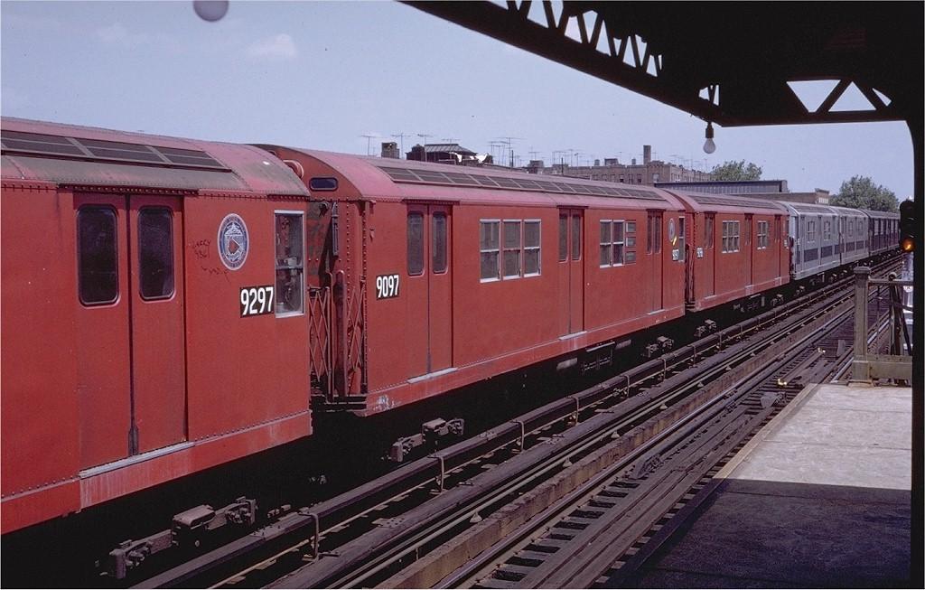 (199k, 1024x653)<br><b>Country:</b> United States<br><b>City:</b> New York<br><b>System:</b> New York City Transit<br><b>Line:</b> IRT Pelham Line<br><b>Location:</b> Zerega Avenue <br><b>Route:</b> 6<br><b>Car:</b> R-33 Main Line (St. Louis, 1962-63) 9097 <br><b>Photo by:</b> Steve Zabel<br><b>Collection of:</b> Joe Testagrose<br><b>Date:</b> 7/23/1972<br><b>Viewed (this week/total):</b> 1 / 2111