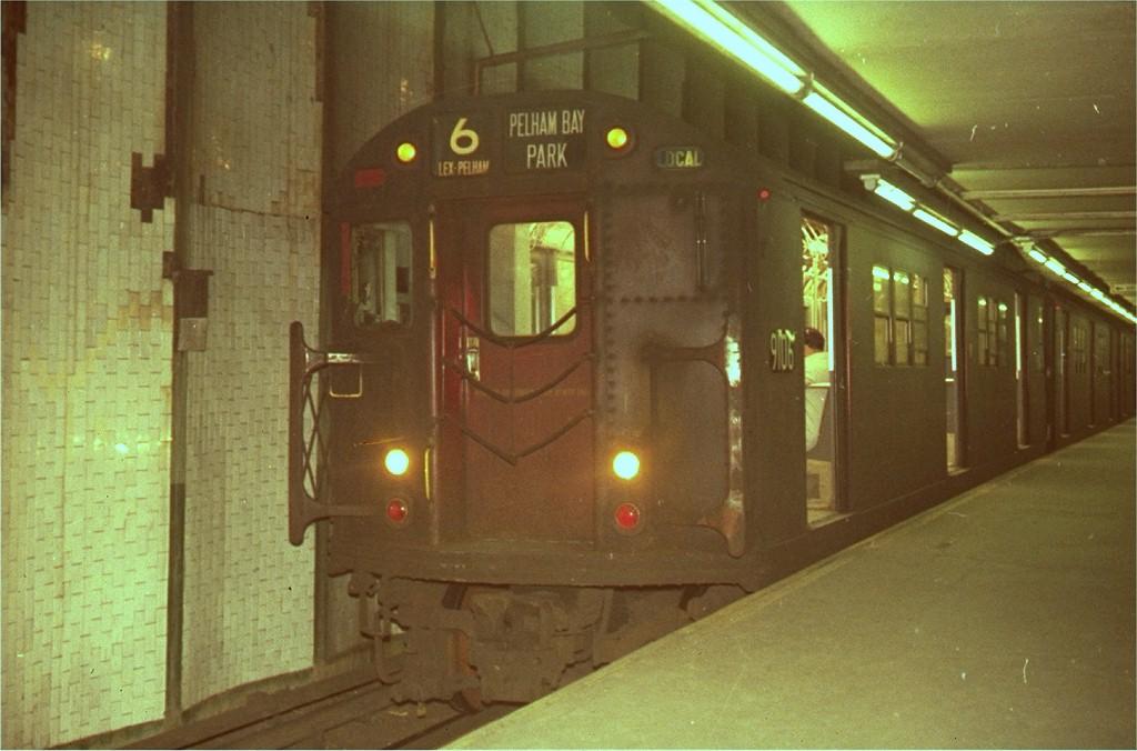 (167k, 1024x676)<br><b>Country:</b> United States<br><b>City:</b> New York<br><b>System:</b> New York City Transit<br><b>Line:</b> IRT East Side Line<br><b>Location:</b> Brooklyn Bridge/City Hall <br><b>Route:</b> 6<br><b>Car:</b> R-33 Main Line (St. Louis, 1962-63) 9106 <br><b>Collection of:</b> Joe Testagrose<br><b>Viewed (this week/total):</b> 0 / 4000